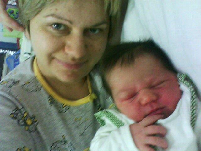 u porodilistu beba i mama