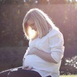 Trudnica mazi stomak